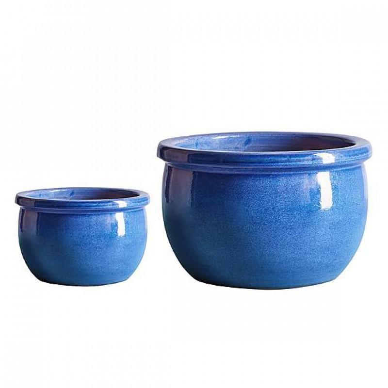 Small blue Bavarian planters